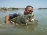 Roman a jeho  krásna ryba sumec 209cm s váhou 56kg