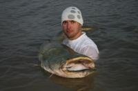 Filip se sumcem 206cm listopad 09 teplota vody 11 stupňů Ebro