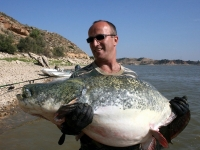 Patrik se sumcem 207 cm na vábničku září 09 Ebro